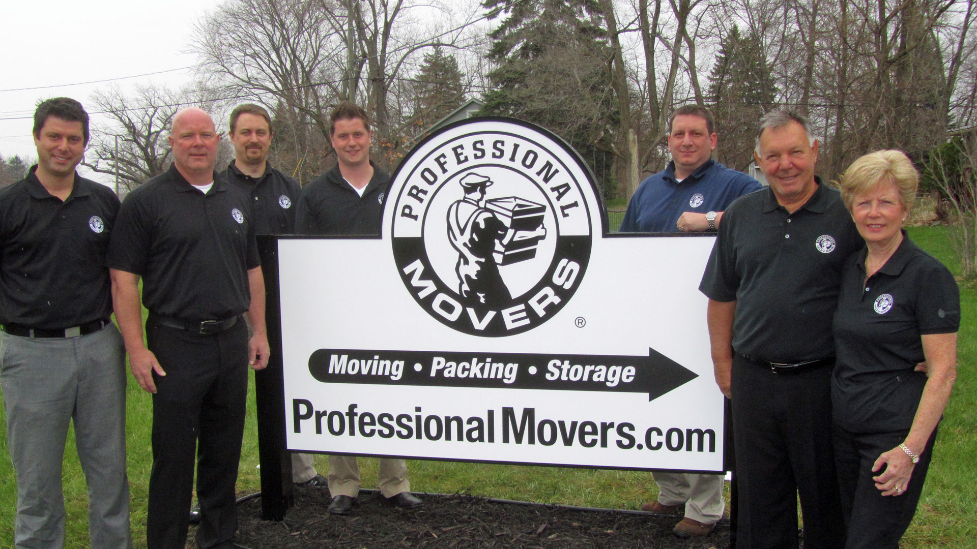 Professional Movers.com Walled Lake Location Group Photo