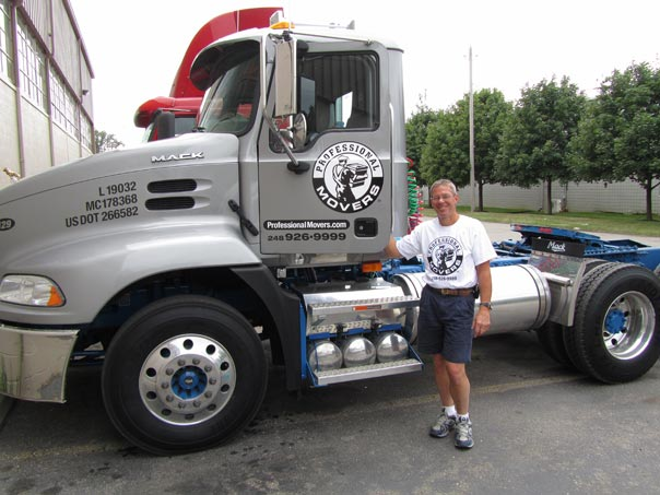 New Mack Truck Movers